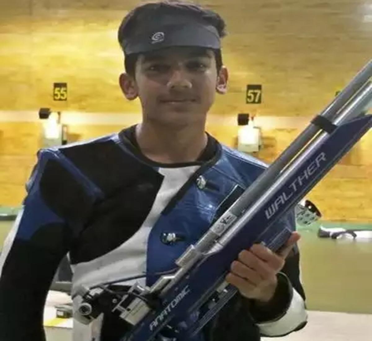 Aishwarya Pratap Singh Tomar clinches 3-position gold to set Jr world record