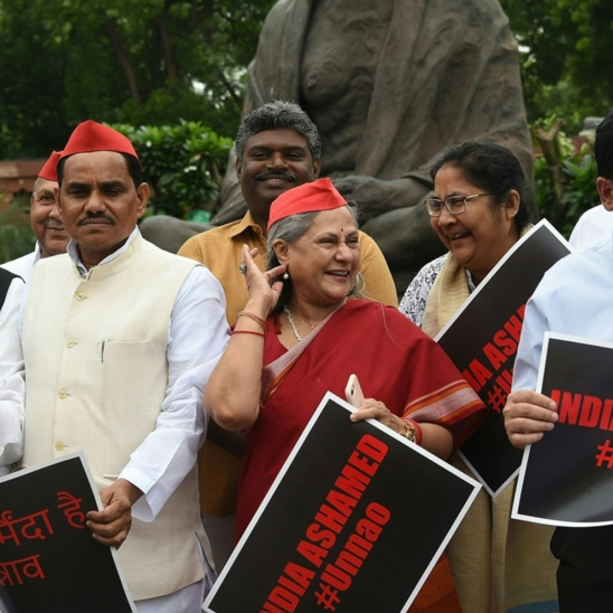 Jaya Bachchan receives flak for laughing amid protests for Unnao rape survivor's justice