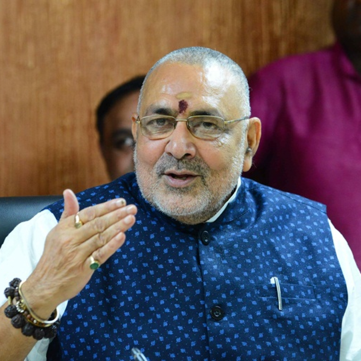 'We chose him over Kanhaiya Kumar': Twitter trolls Giriraj Singh after he urges scientists to research on cow dung