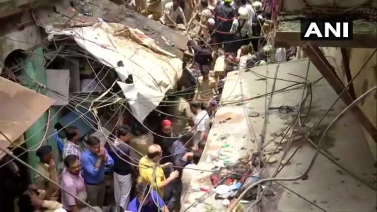 Four-storey building collapsed in Dongri