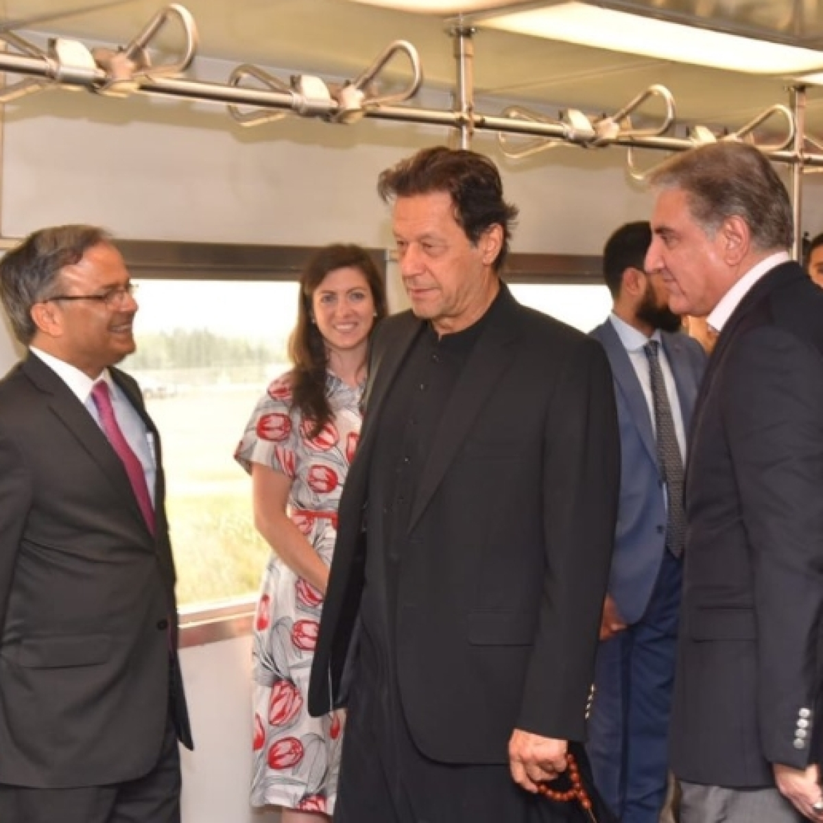 Twitterati troll Pakistan PM Imran Khan for not receiving due welcome at US airport