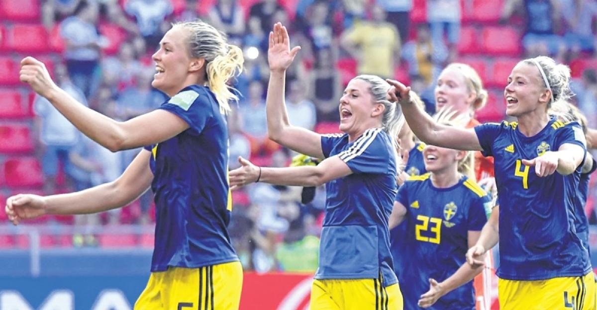 Women's World Cup: Sweden stun Germany