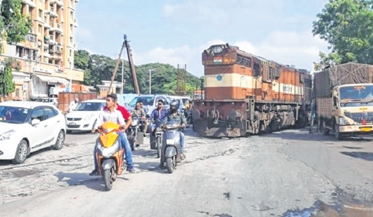Runaway engine hits the road in Pune
