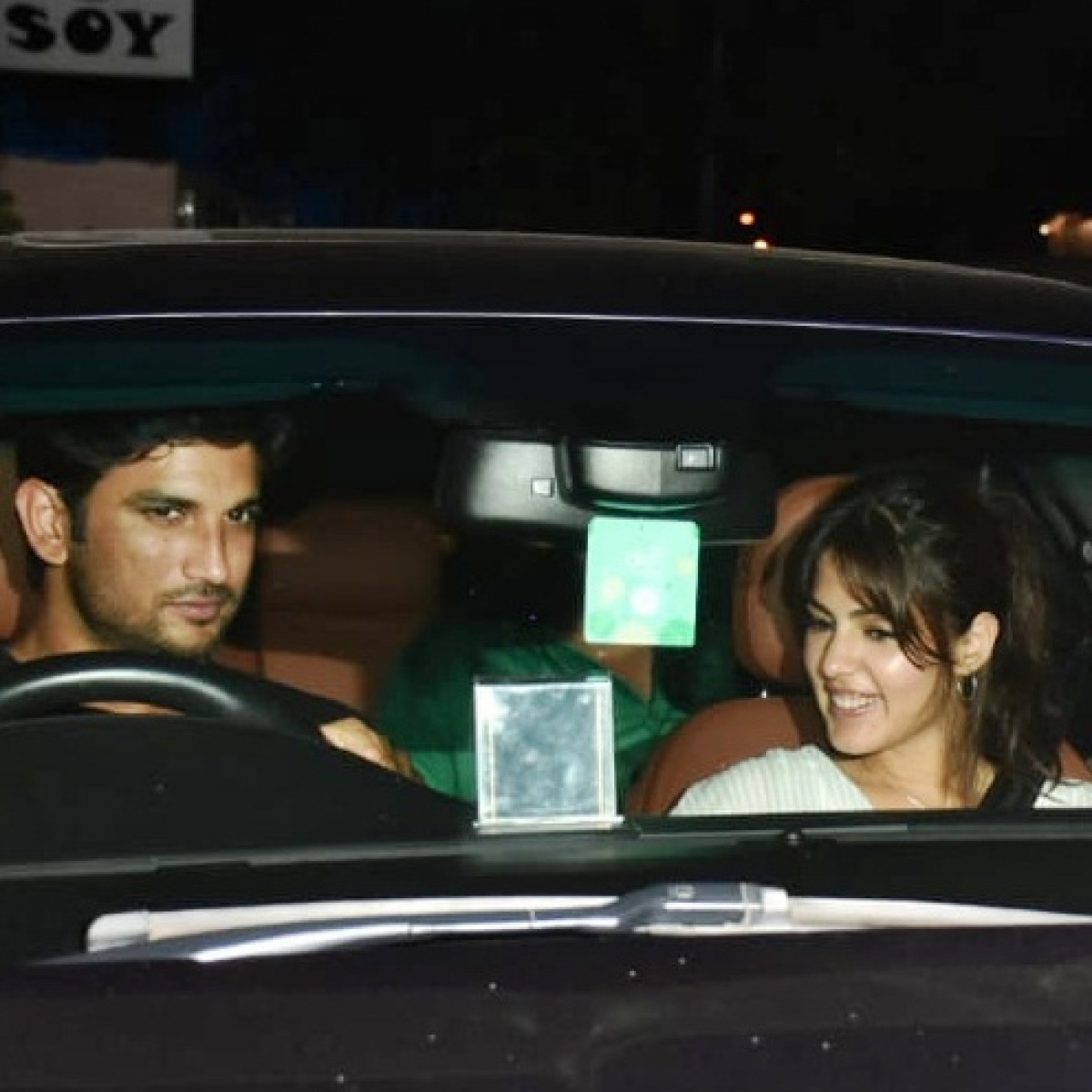 Sushant Singh Rajput, Rhea Chakraborty top Yahoo's Most Searched Personality list for 2020