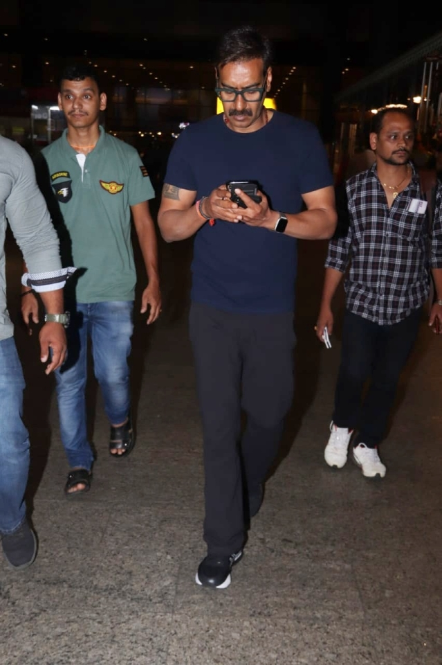 Ajay Devgn also snapped early morning at Mumbai Airport.