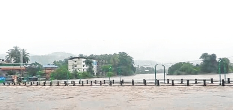 Mumbai-Goa highway flooded, Tulsi overflowing; flood alert near Modak dam