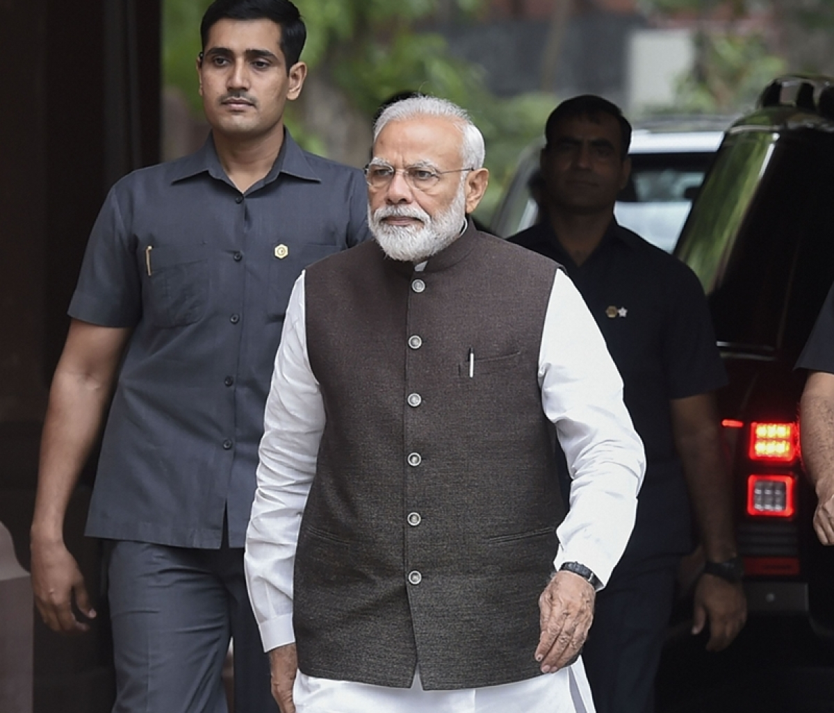PM Modi does well to read the riot act to politicians