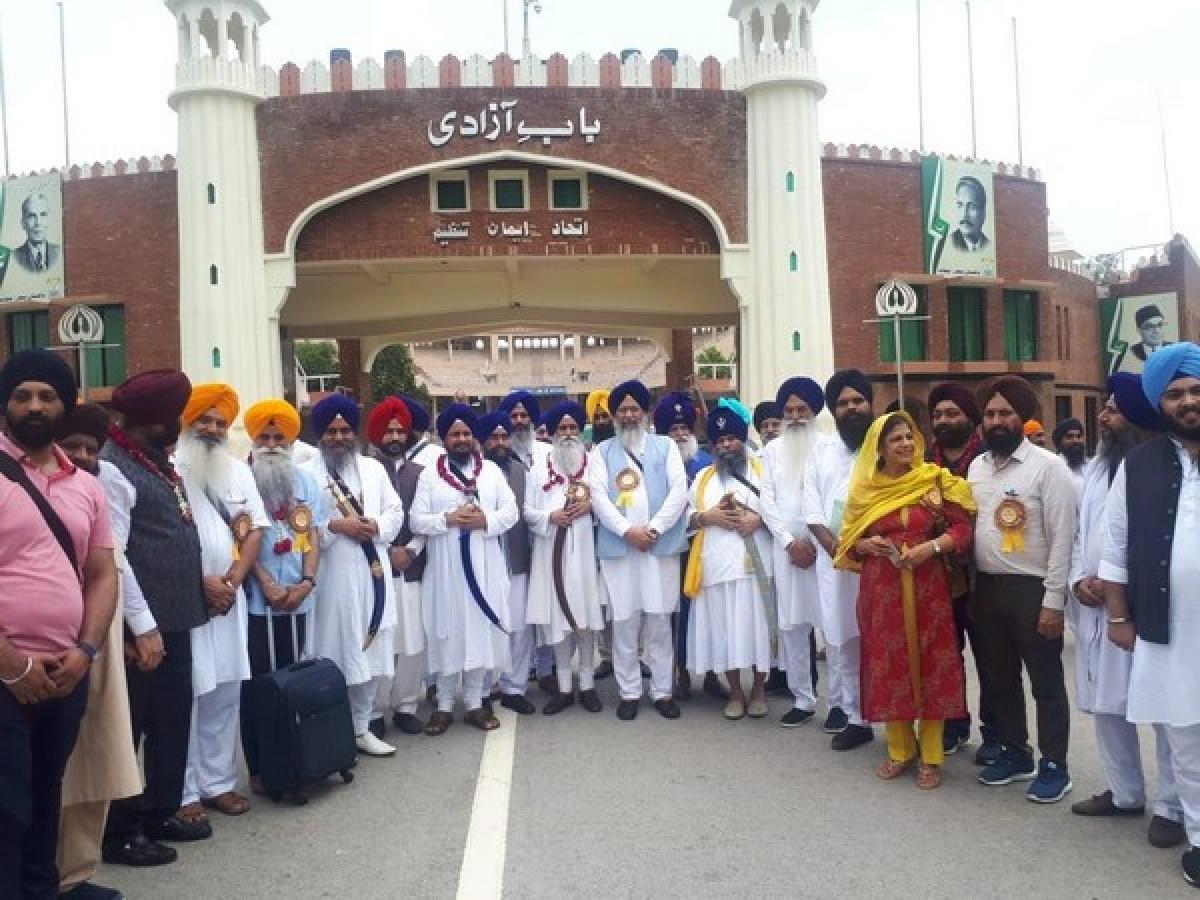 500 Sikh pilgrims reach Pakistan for Guru Nanak Dev's 550th birthday celebration