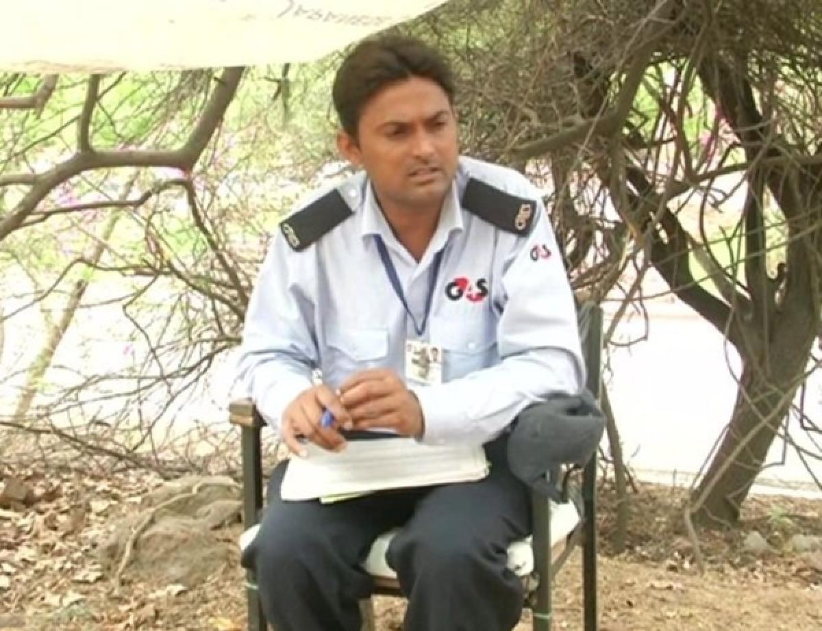 JNU security guard cracks university's entrance exam, will study Russian