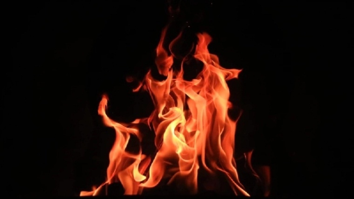 Madhya Pradesh: Woman sets herself on fire to oppose the anti-encroachment drive