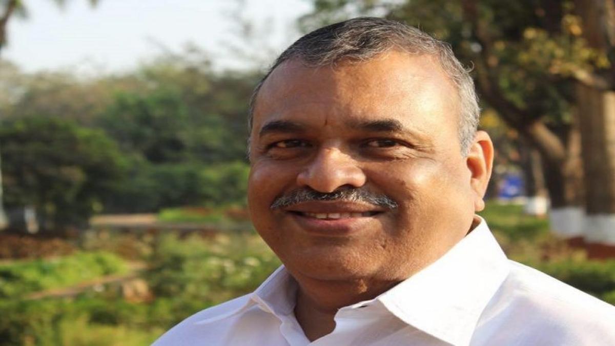 Now, Shiv Sena corporator assaults truck drivers in Mahim