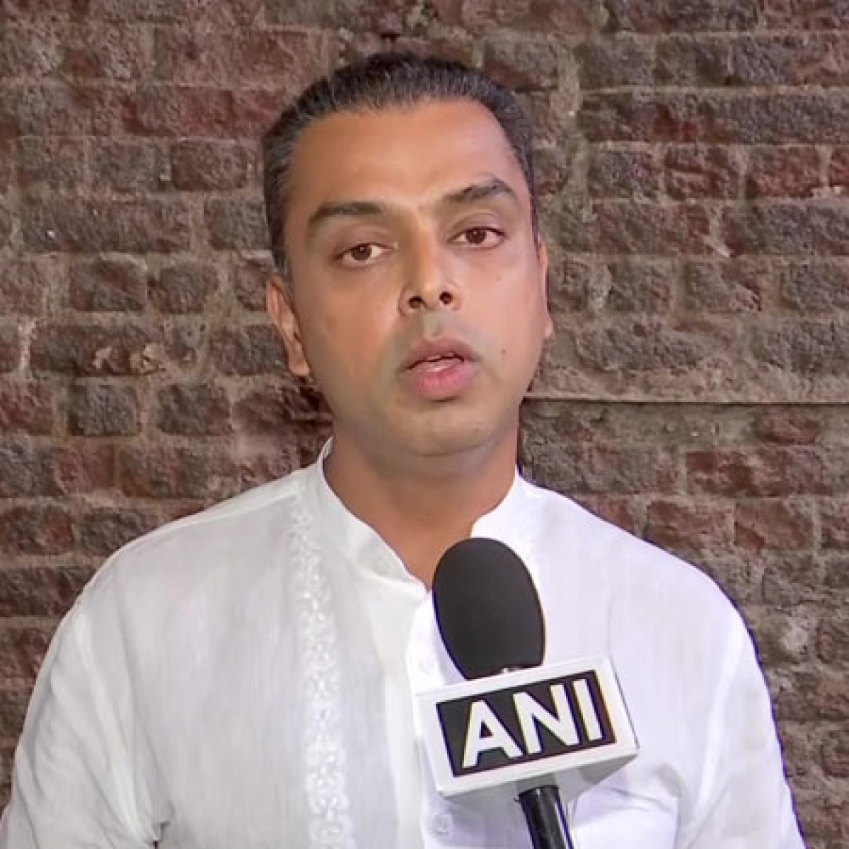 Milind Deora reveals having suicidal thoughts, shares five tools to cope up with depression