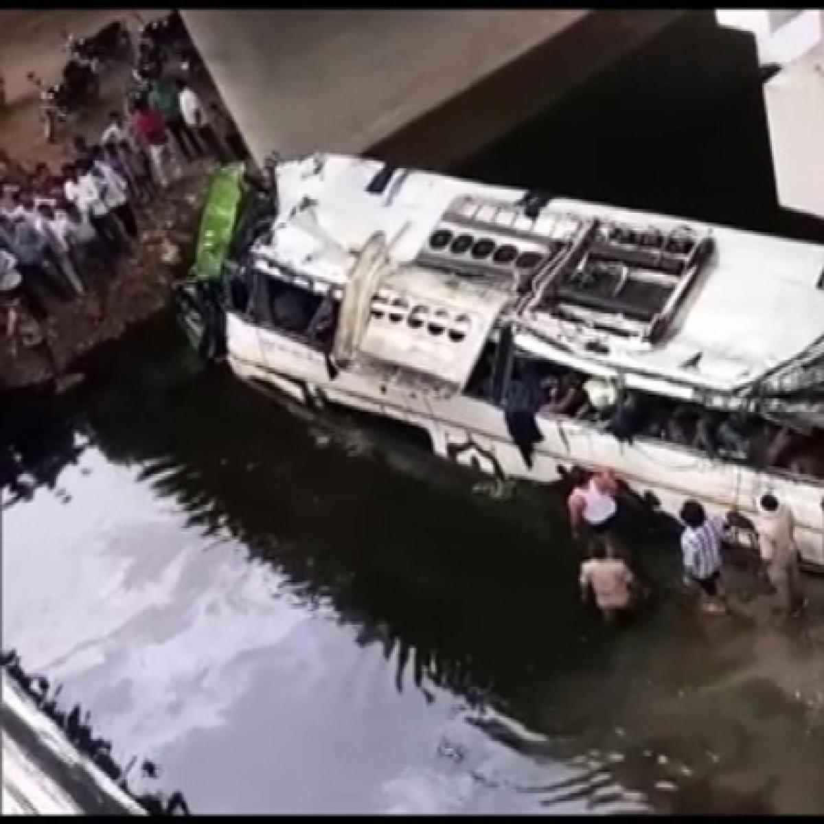 Priyanka Gandhi Vadra expresses shock over Yamuna Expressway bus accident