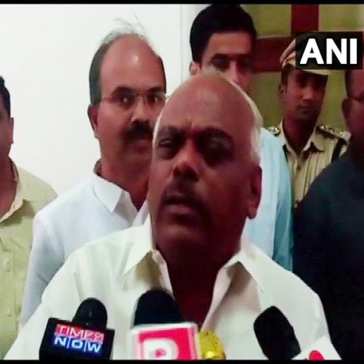 Karnataka crisis: SC allows 10 rebel MLAs to meet Speaker, asks him to take decision during the day