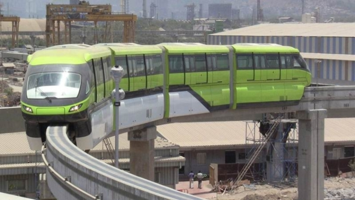 Tilted tree halts monorail services near Mysore colony station
