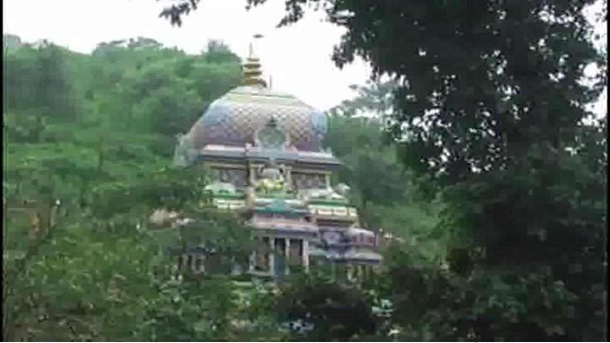 Uttarakhand: Devotees throng Neelkanth Mahadev temple on first Monday of 'Shravan'