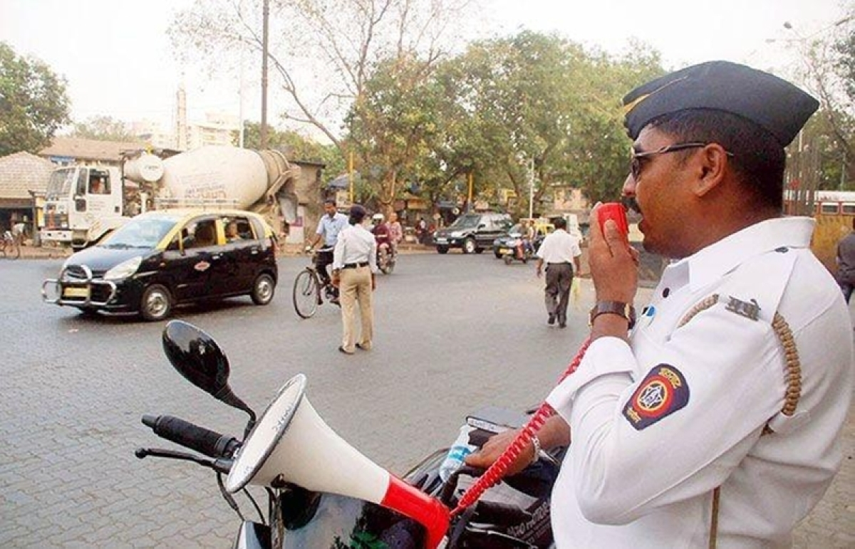 Mumbai: Traffic cop abducted, taken for a joy ride