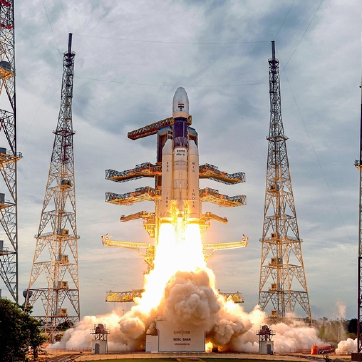 'Bahubali' GSLV rocket successfully put the Chandrayaan-2 into the earth's orbit