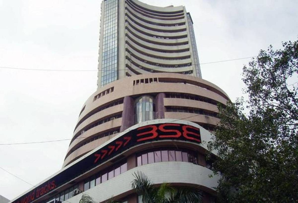 Sensex jumps over 100 pts; bank stocks rise