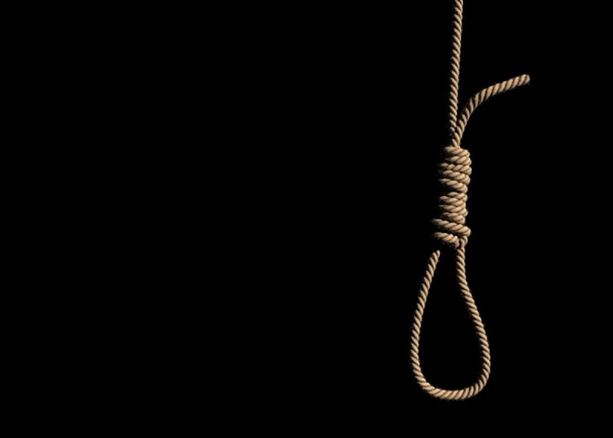 20-year-old man hangs self as part of online game 'task'