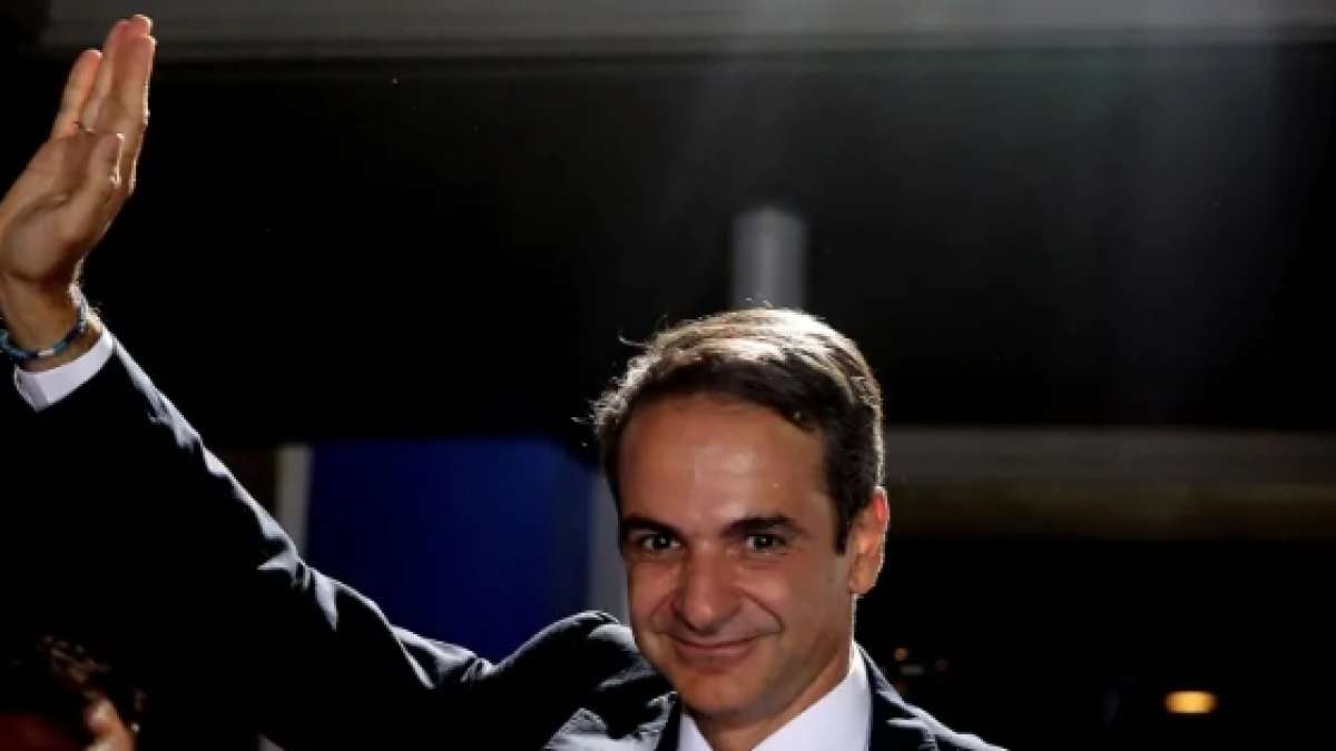 Kyriakos Mitsotakis sworn in as Greek PM after big win