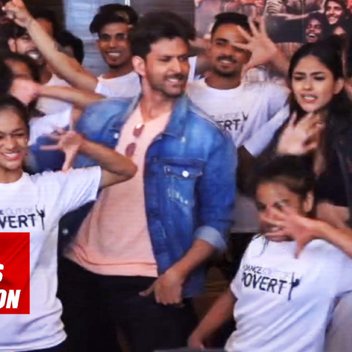 Hrithik Roshan Dances With Kids During 'Super 30' Promotion
