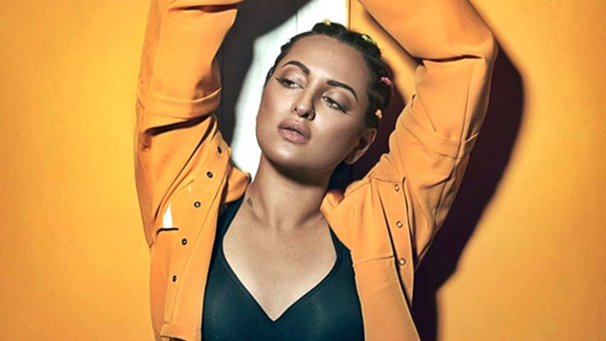 Watch Sonakshi Sinha skip to perfection, driving away Monday blues