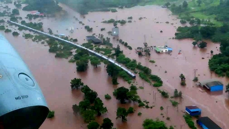 2005 again: For once, all agencies unite to rescue; 1,050 rescued from Mahalaxmi Express