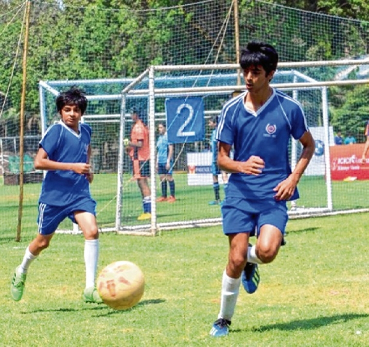 4-0 victory in the quarter-final match of Mumbai School Sports Association