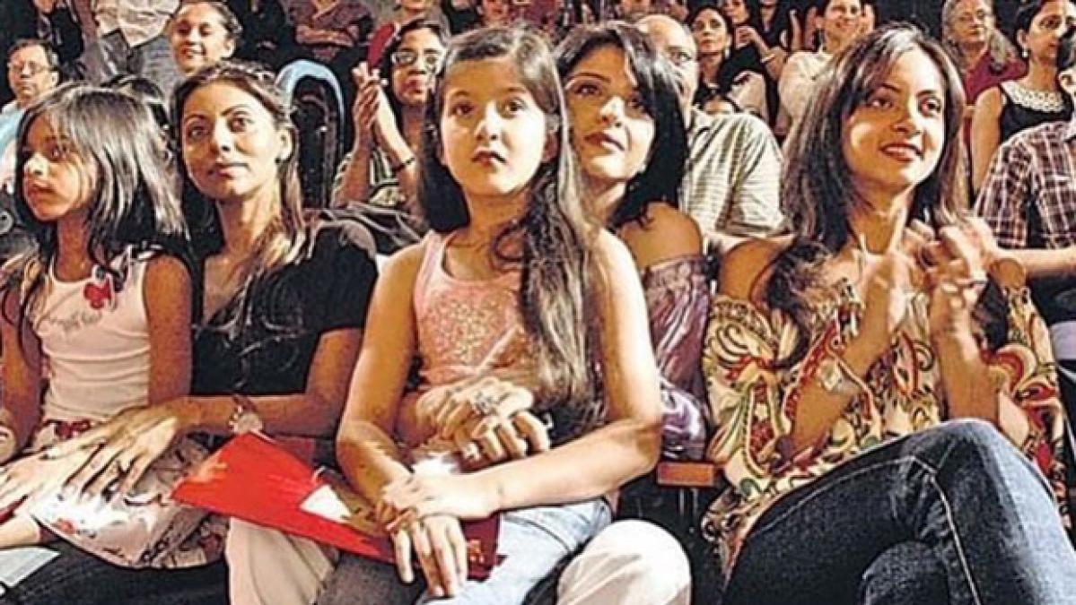 Here's an unseen pic of Suhana Khan and Shanaya Kapoor as kids