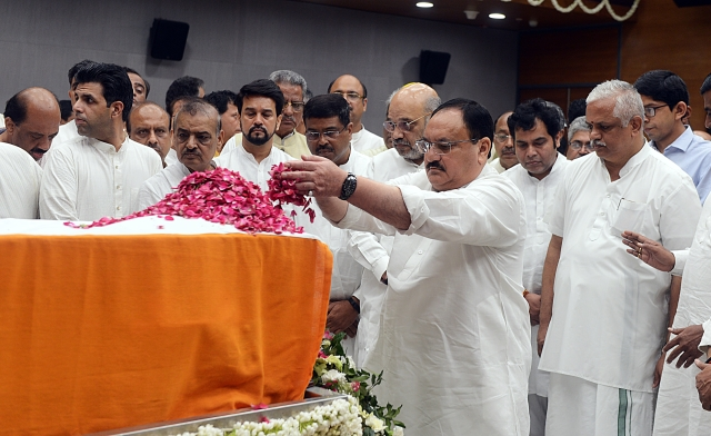 BJP National Working President JP Nadda pays floral tributes during the last respects of former Finance Minister Arun Jaitley