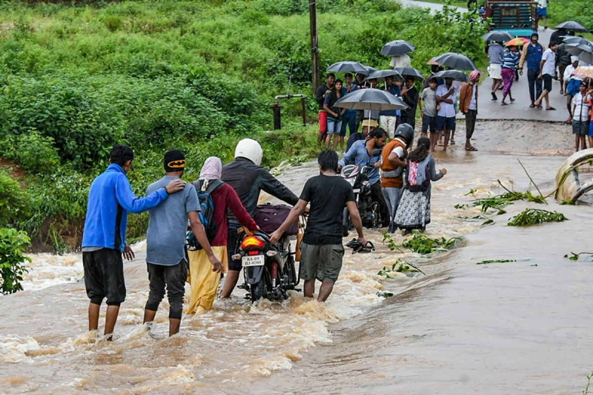 9 killed in Karnataka rain fury, normal life hit