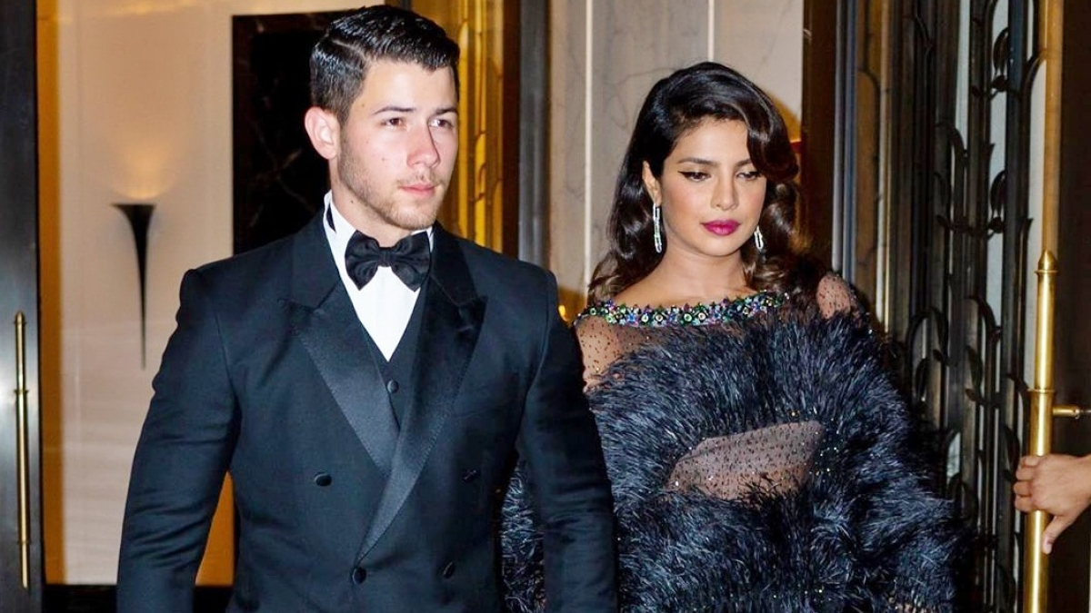 Priyanka Chopra stuns in black at Joe Jonas' 'Bond' themed birthday party