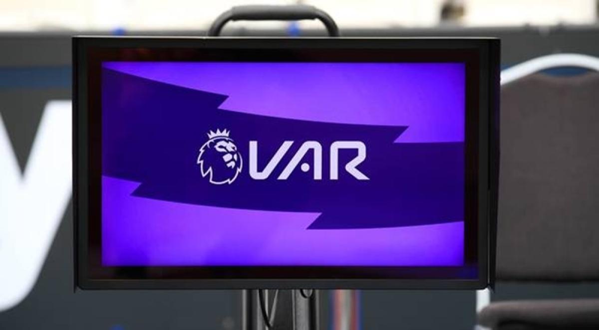 Premier League: Fans, pandits take on VAR, demand change