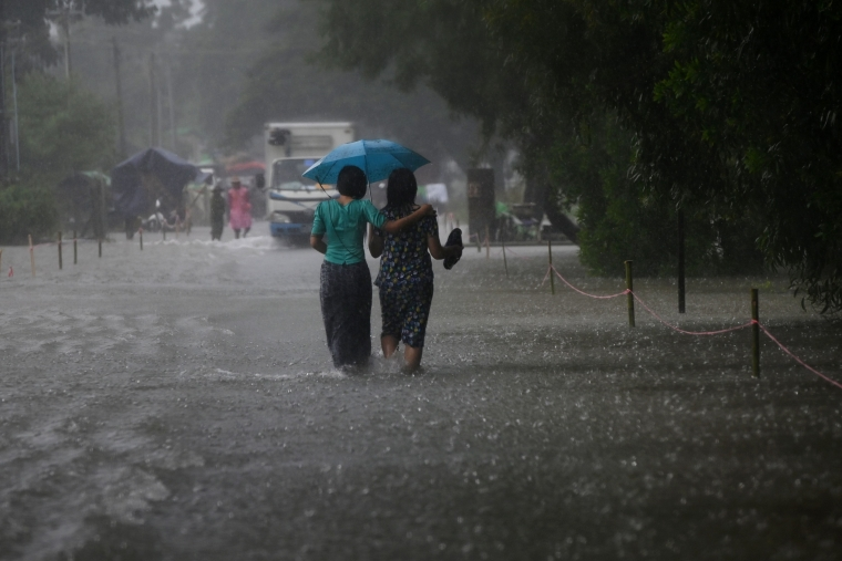 Rains claim 23 lives in Kerala in two days, 22,000 shifted to 315 relief camps  across the state