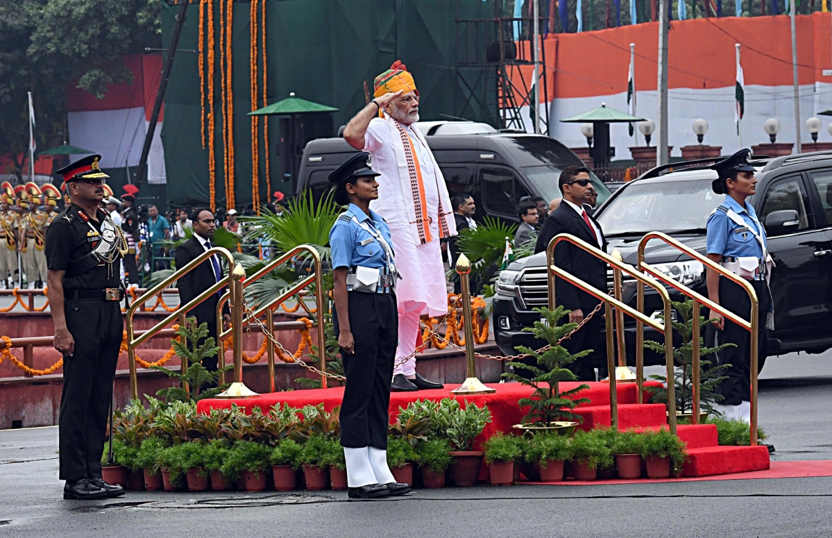 Prime Minister Narendra Modi inspecting the Guard of Honour at the ramparts of Red Fort, on the occasion of 73rd Independence Day, in New Delhi