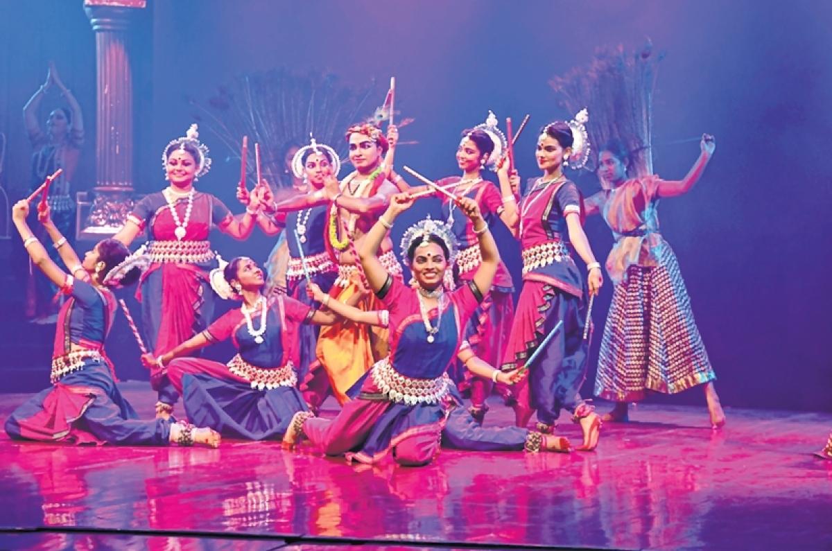 Meera Bai wins Mumbaikars' hearts