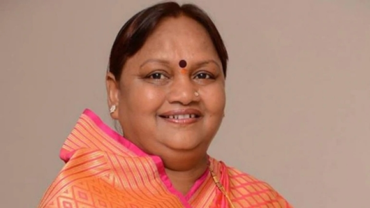 Congress MLA Nirmala Gavit quits, may join Shiv Sena