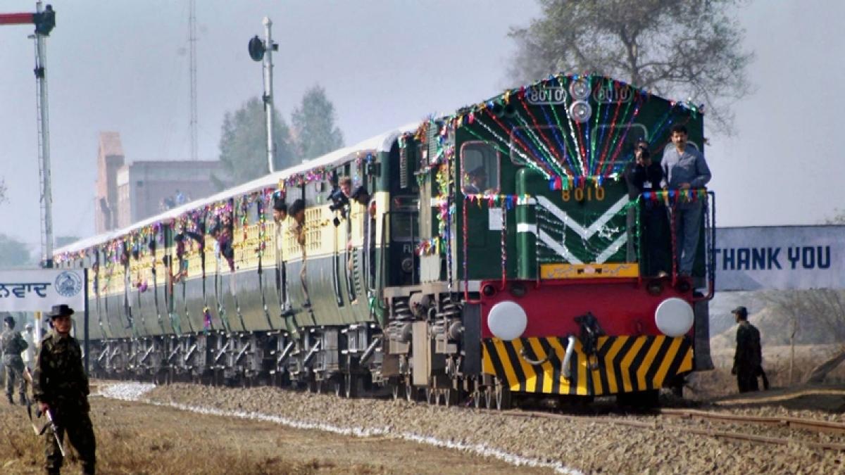 Pakistan derails Samjhauta Express