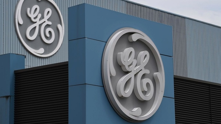 General Electric shares plunge after accounting expert accuses company of fraud
