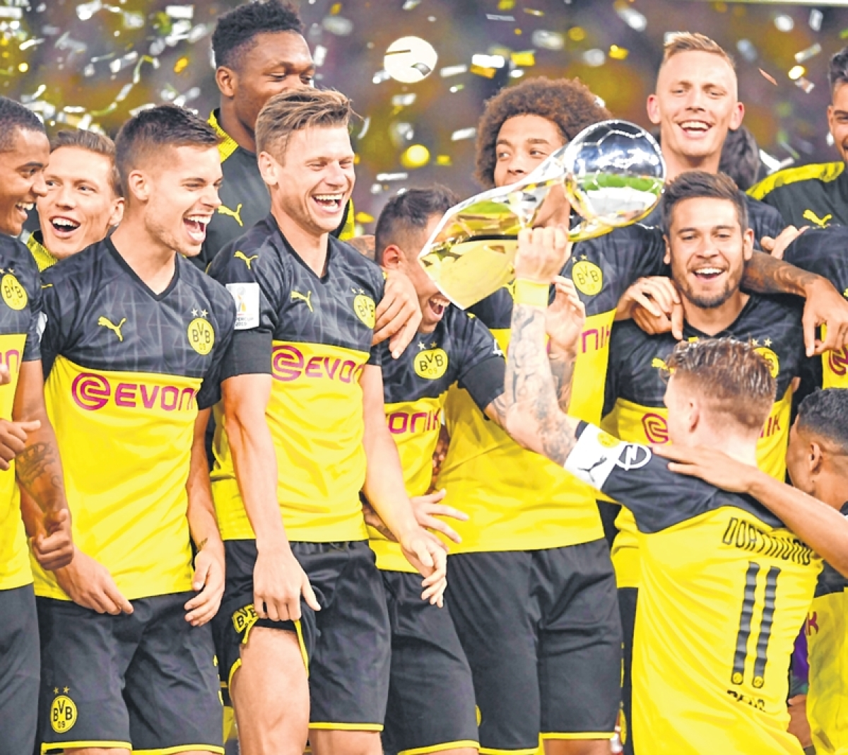 Super Borussia Dortmund win Supercup
