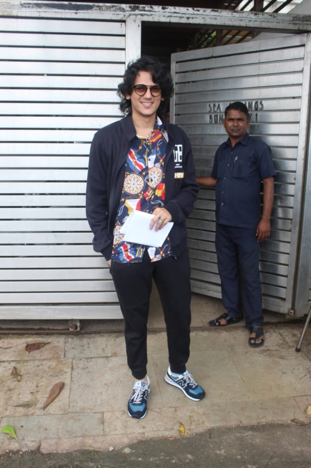 'Gully Boy' actor Vijay Sharma spotted outside Zoya Akhtar's residence.