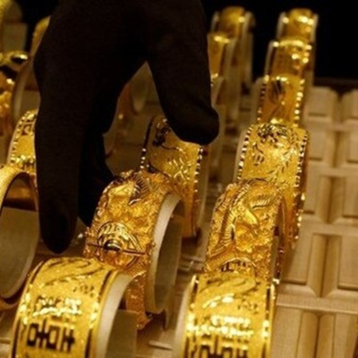 Gold Price Update on Jan 28, 2020 - Gold to the forefront as coronavirus panic spreads
