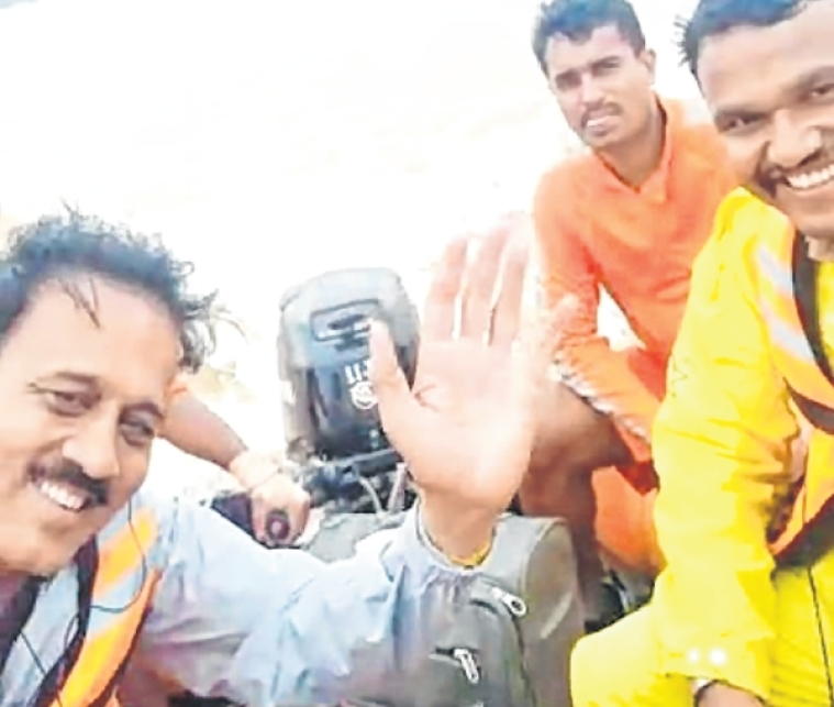 Minister makes most of disaster trek with selfies