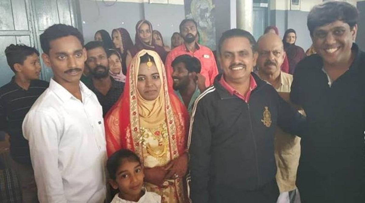 Kerala couple's wedding reception held at relief camp after flood destroys their home