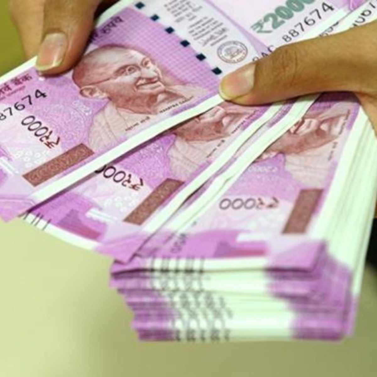 7th Pay Commission: Central government employees likely to get 5% DA hike as Dusshera gift
