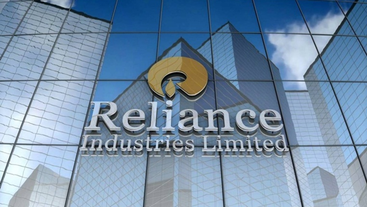 Reliance Industries Ltd rights issue may aid EPS, cut debt by 5-34%: MS