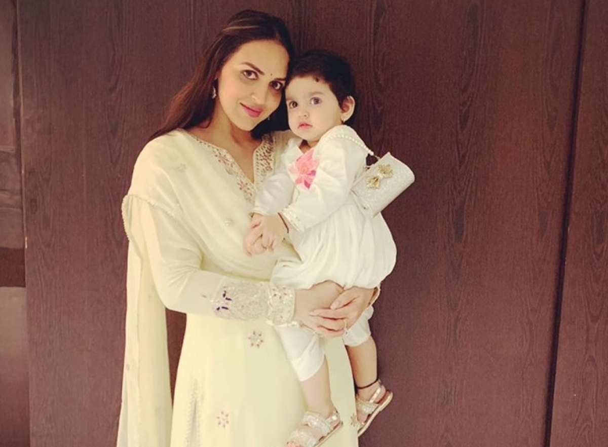 Esha Deol Walks Ramp with daughter for the first time at LFW 2019