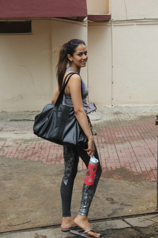 Mira Kapoor was spotted at Pilates this morning as she arrived.