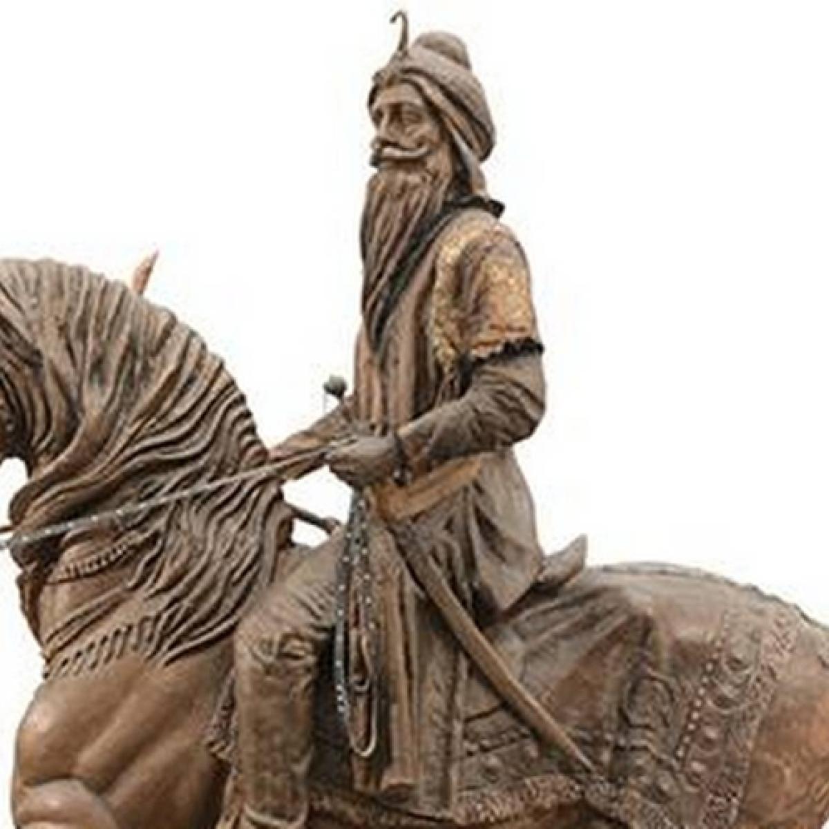 Statue of Maharaja Ranjit Singh vandalised in Pakistan